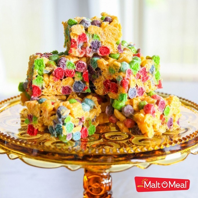 Malt-O-Meal Berry Colossal Crunch® Crispies recipe