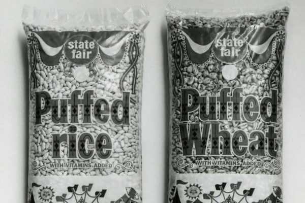 Malt-O-Meal Co. introduces cold bags of cereal in 1966